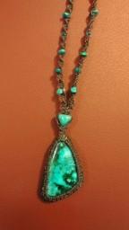 שרשרת אבן קריסוקולה וחרוזי טורקיז למכירה לפרטים וואטס אפ 054-9453070
