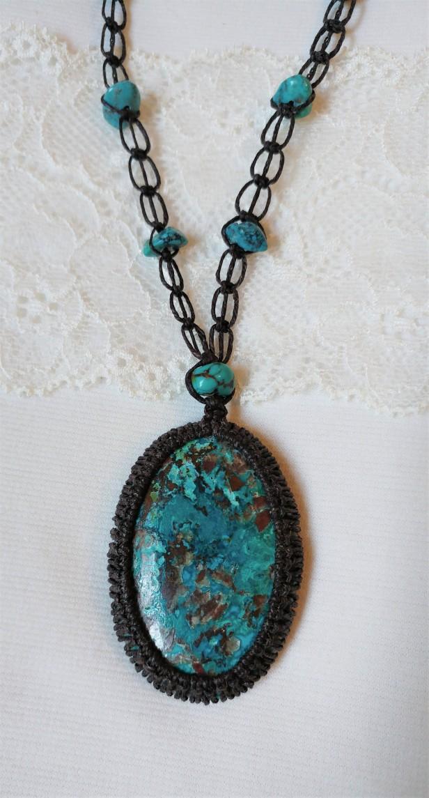 שרשרת מאבן קריסוקולה למכירה