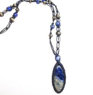 שרשרת מאבן קריסטל כחולה סודליט