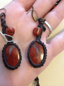 עגילי אבן ג'ספר אדומה - נמכרו