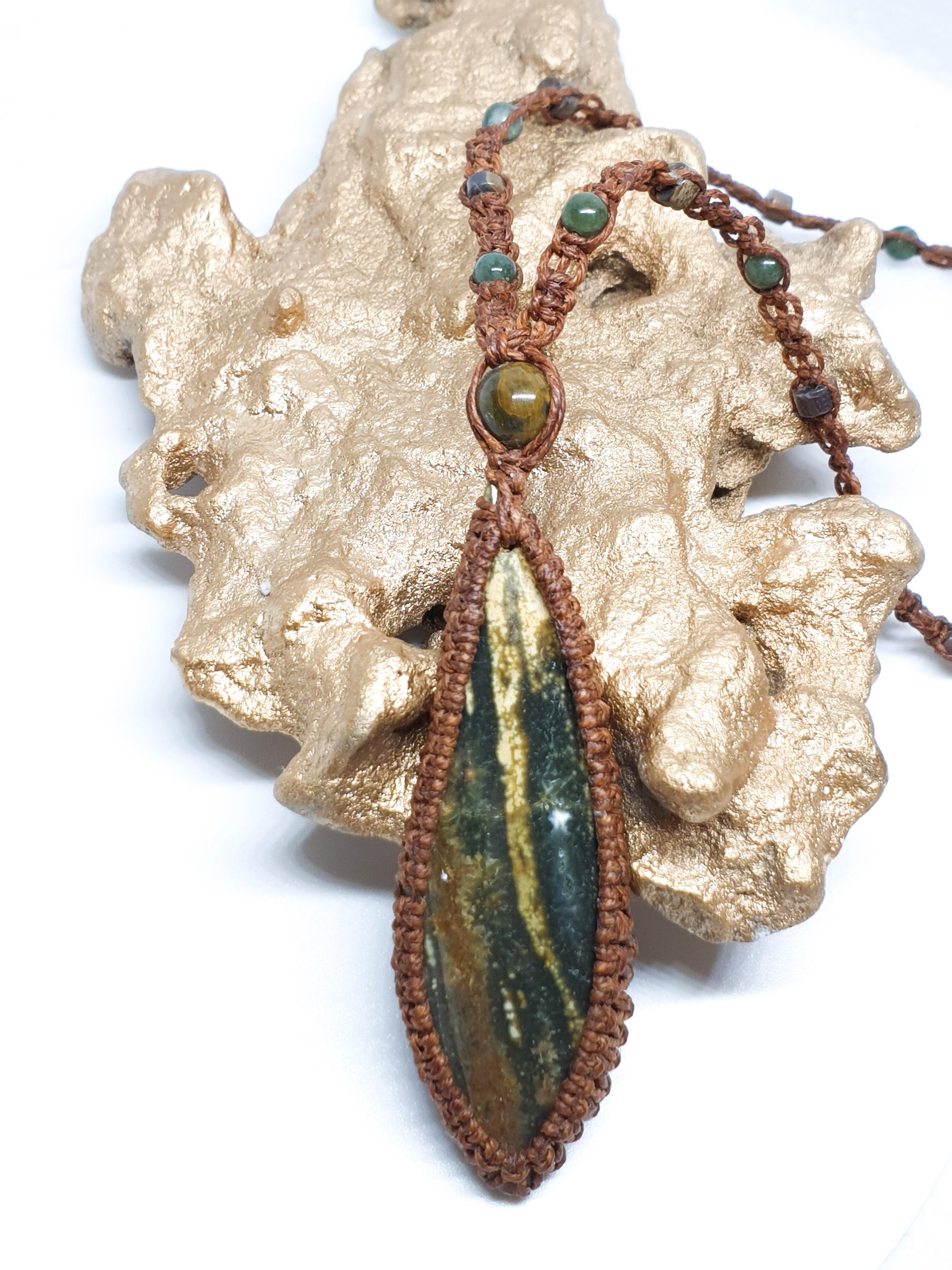 שרשרת אבן ירוקה אושן ג'ספר מקרמה